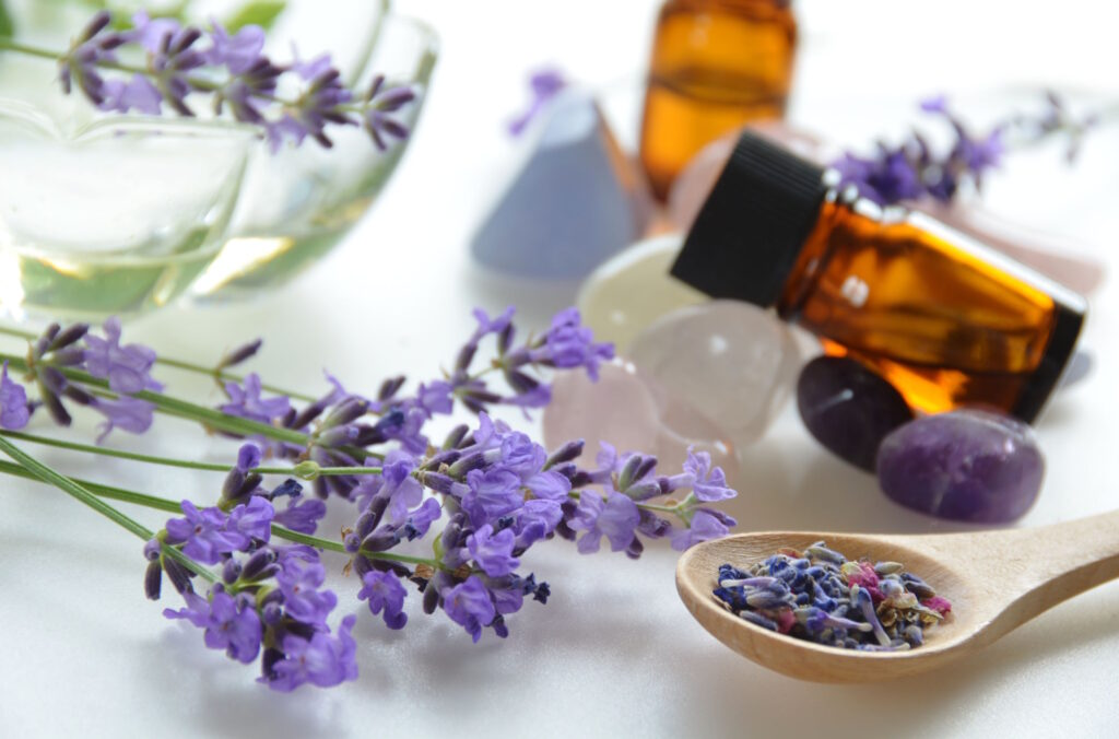30007328 - aromatherapy treatment with lavender